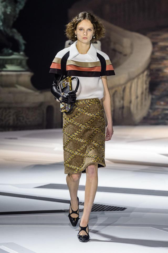 Louis Vuitton ra mắt bộ sưu tập mới ở Bảo tàng Louvre - Ảnh 12.