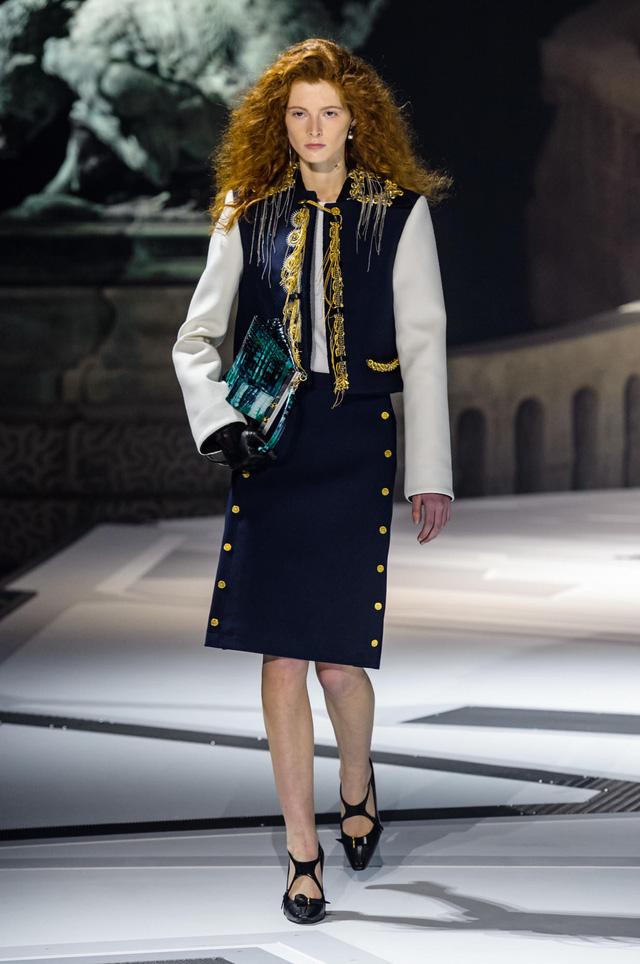 Louis Vuitton ra mắt bộ sưu tập mới ở Bảo tàng Louvre - Ảnh 9.