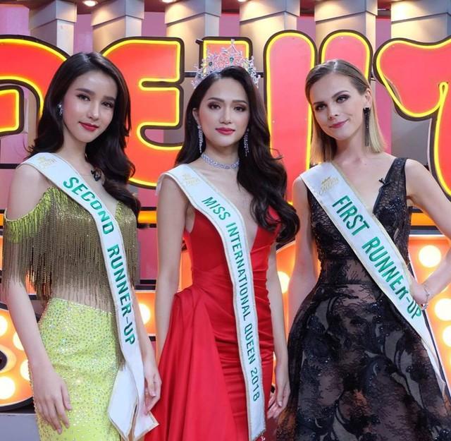 Hương Giang Idol bị hỏi chuyện mua giải trên sóng truyền hình Thái Lan - Ảnh 1.