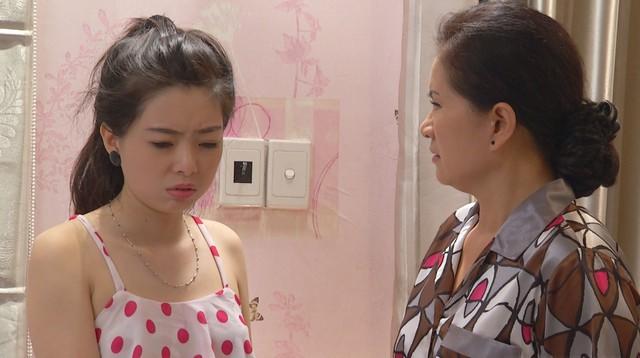 Đánh tráo số phận - Tập 16: Hà Linh ra tay cứu học sinh thoát khỏi việc ảnh nóng bị phát tán - Ảnh 1.