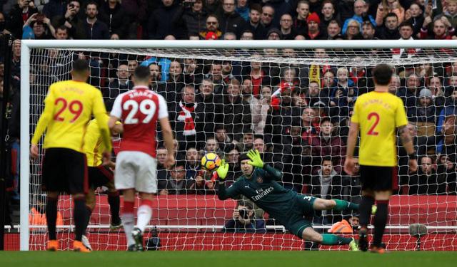 ĐHTB vòng 30 Ngoại hạng Anh: Quỷ đỏ bay cao, Arsenal tìm lại mình - Ảnh 1.