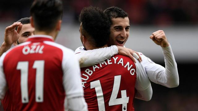 ĐHTB vòng 30 Ngoại hạng Anh: Quỷ đỏ bay cao, Arsenal tìm lại mình - Ảnh 2.