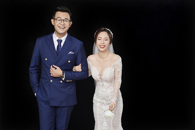MC Đức Bảo khoe ảnh cưới mật ngọt - Ảnh 16.