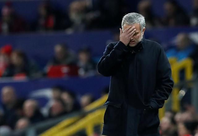 HLV Mourinho thừa nhận thất bại trước Sevilla ở Champions League - Ảnh 1.