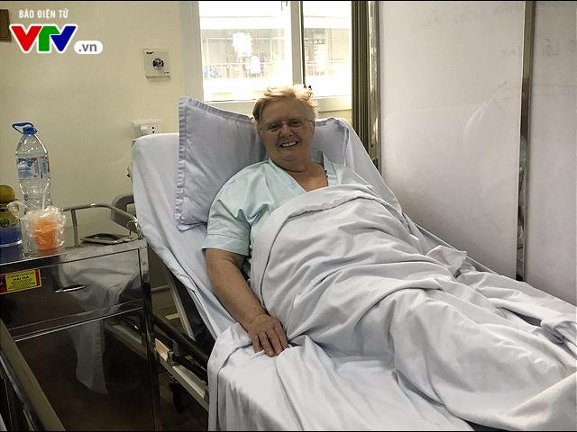 Cấp cứu kịp thời một du khách người nước ngoài bị nhồi máu cơ tim tại sân bay - ảnh 2