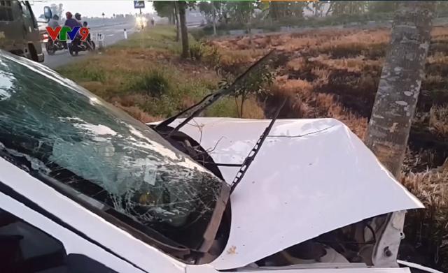 Hậu Giang: Va chạm giữa ô tô 4 chỗ và xe tải, 7 người bị thương - ảnh 3