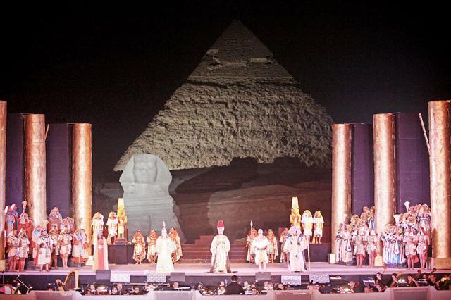Biểu diễn opera dưới chân kim tự tháp Ai Cập - Ảnh 5.