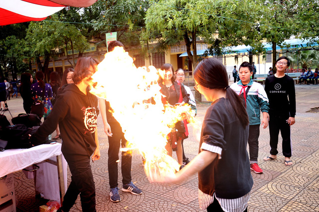 Ngày hội STEM tỉnh Bắc Ninh thu hút hàng nghìn học sinh, thầy cô tới tham dự - Ảnh 4.