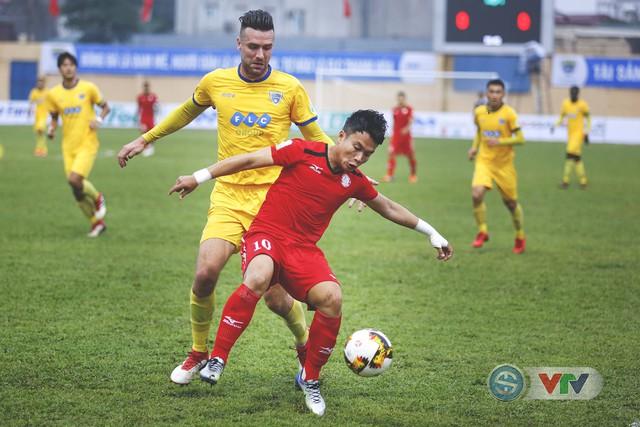 ẢNH: Đình Tùng tỏa sáng, FLC Thanh Hóa giành 3 điểm đầu tiên - Ảnh 8.