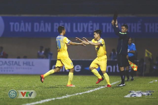 ẢNH: Đình Tùng tỏa sáng, FLC Thanh Hóa giành 3 điểm đầu tiên - Ảnh 13.