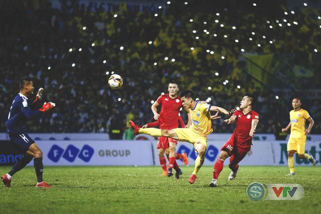 ẢNH: Đình Tùng tỏa sáng, FLC Thanh Hóa giành 3 điểm đầu tiên - Ảnh 15.