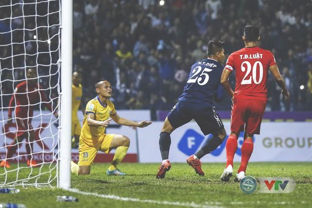 ẢNH: Đình Tùng tỏa sáng, FLC Thanh Hóa giành 3 điểm đầu tiên - Ảnh 18.