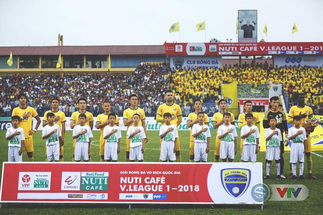 ẢNH: Đình Tùng tỏa sáng, FLC Thanh Hóa giành 3 điểm đầu tiên - Ảnh 2.