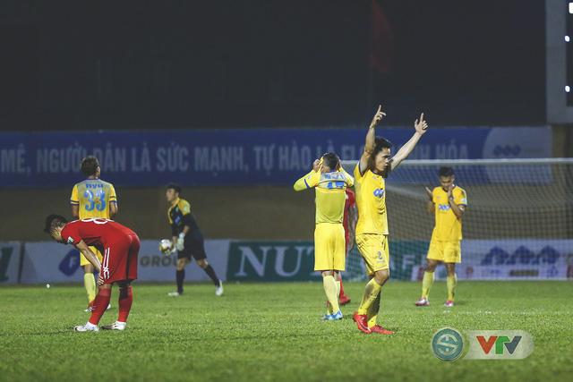 ẢNH: Đình Tùng tỏa sáng, FLC Thanh Hóa giành 3 điểm đầu tiên - Ảnh 20.