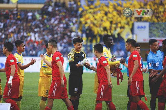 ẢNH: Đình Tùng tỏa sáng, FLC Thanh Hóa giành 3 điểm đầu tiên - Ảnh 5.