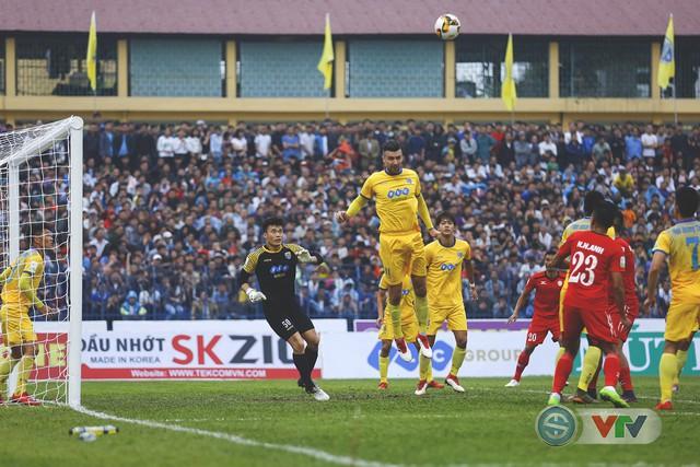 ẢNH: Đình Tùng tỏa sáng, FLC Thanh Hóa giành 3 điểm đầu tiên - Ảnh 9.