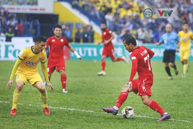 ẢNH: Đình Tùng tỏa sáng, FLC Thanh Hóa giành 3 điểm đầu tiên - Ảnh 6.