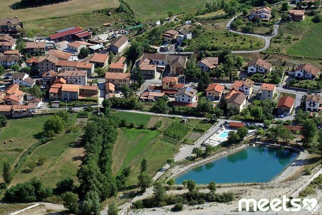 Một thành phố của Pháp rao bán nhà giá 1 EUR - Ảnh 1.