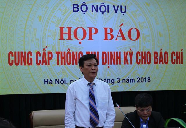 Bộ Nội vụ đề nghị tỉnh Đắk Lắk khẩn trương xử lý vụ việc hơn 500 giáo viên mất việc làm  - Ảnh 1.