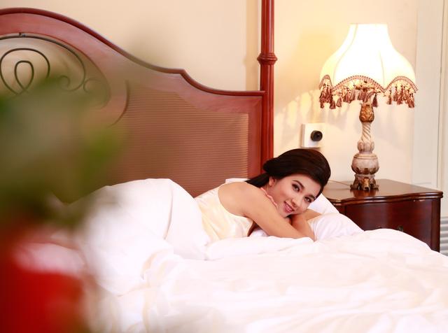 Kim Tuyến xinh hết nấc dù xuất hiện trong loạt ảnh hậu trường - Ảnh 4.