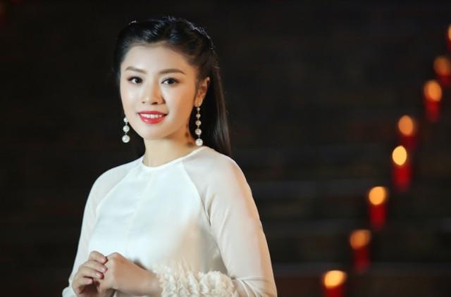 Sao mai Nguyễn Thu Hằng làm em gái diễn viên Kiều Anh trong MV mới - Ảnh 1.
