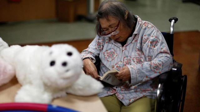 Robot biết làm nũng, khóc nhè mang lại niềm vui cho người già - Ảnh 4.