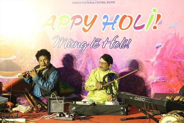 Những khoảnh khắc ấn tượng của Lễ hội sắc màu Ấn Độ 2018 tại Việt Nam - Ảnh 12.