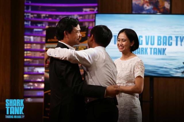 Chùm ảnh 22 màn bắt tay thành công ở Shark Tank Việt Nam mùa 1 - Ảnh 8.
