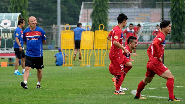 HLV Park Hang Seo sẽ ưu tiên nhiều cầu thủ trẻ U23 Việt Nam cho trận gặp Jordan - Ảnh 1.