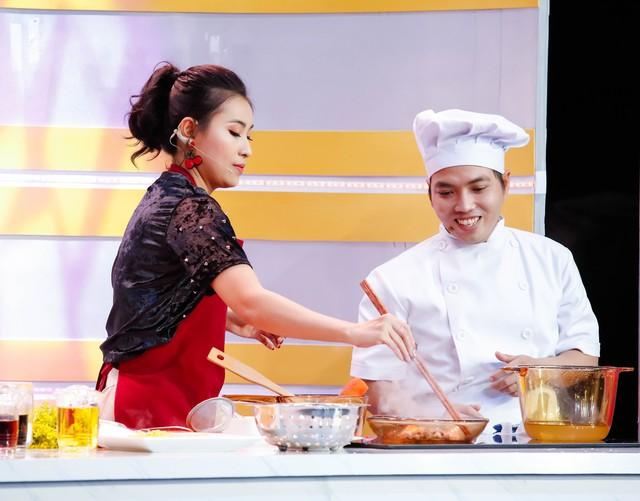 Lâm Vũ thắng áp đảo Phạm Yến tại Đấu trường ẩm thực - Ảnh 1.