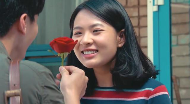 Tình khúc Bạch Dương: Quyên đòi chia tay, Hùng bất ngờ hôn Vân say đắm? - Ảnh 2.