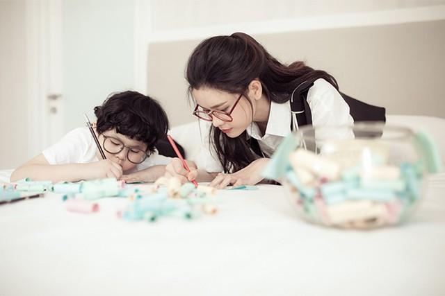 Trương Quỳnh Anh khoe ảnh cùng con trai trong ngày 8/3 - Ảnh 7.