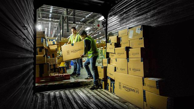Amazon đang kiếm bộn tiền từ bán hàng ngoài nước Mỹ - Ảnh 1.