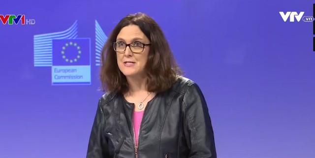 """EU sẽ """"ăn miếng trả miếng"""" nếu Mỹ áp thuế nhôm, thép nhập khẩu - Ảnh 1."""