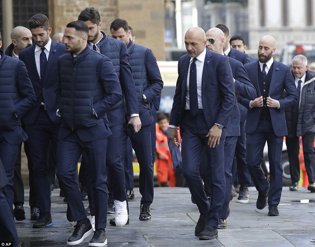 Hàng ngàn người hâm mộ đưa tang Davide Astori - Ảnh 22.