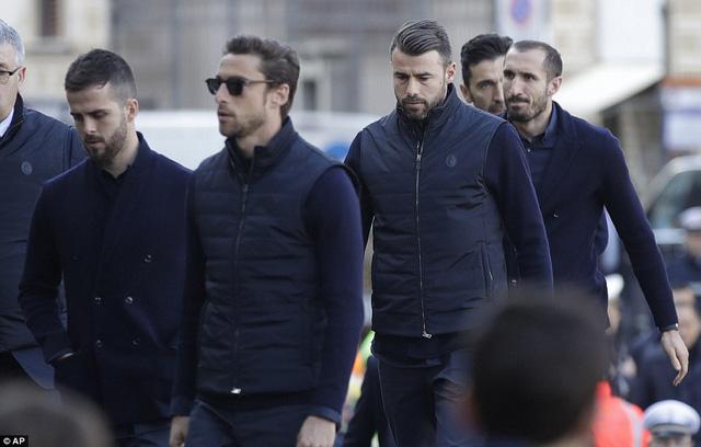 Hàng ngàn người hâm mộ đưa tang Davide Astori - Ảnh 20.