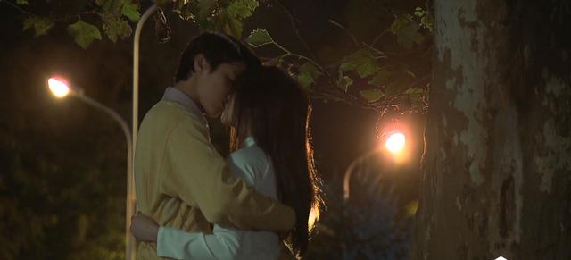 Tình khúc Bạch Dương - Tập 10: Quang - Vân trao nhau nụ hôn đầu say đắm - Ảnh 4.