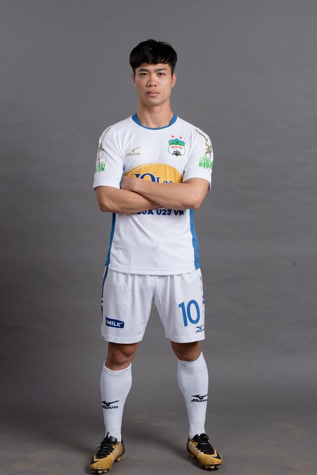 ẢNH: Chiêm ngưỡng Xuân Trường, Công Phượng, Văn Thanh và các cầu thủ HAGL trong áo đấu mới mùa giải 2018 - Ảnh 4.