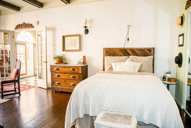 Tạo điểm nhấn cho căn nhà 50 m2 bằng nét cổ điển nhẹ nhàng - Ảnh 4.