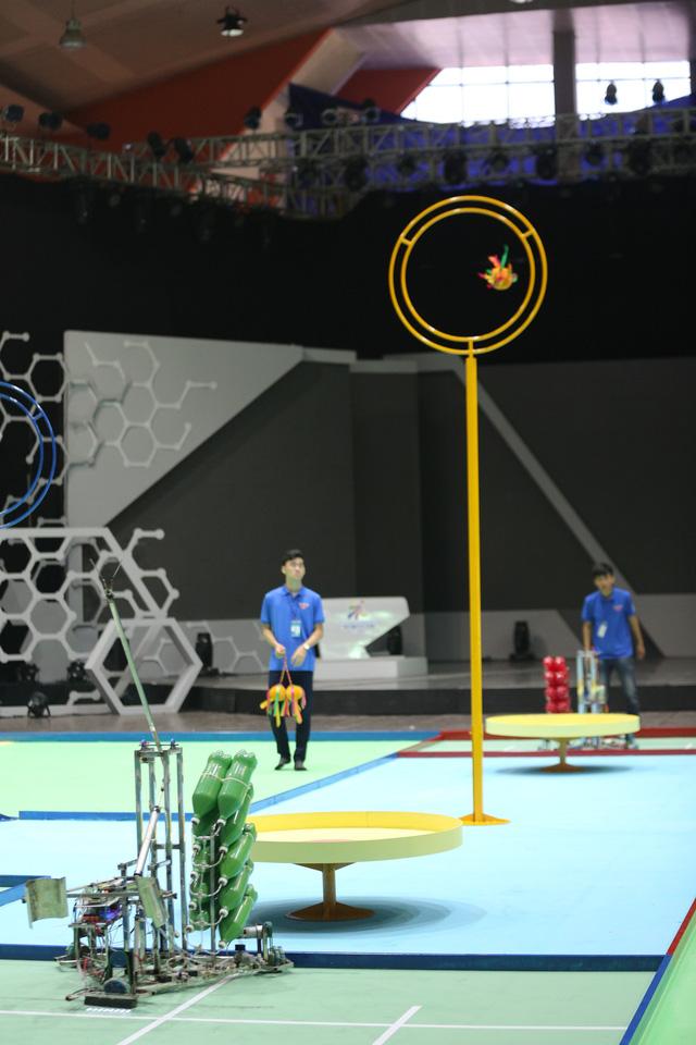 Robocon Việt Nam 2018: Một số đội tuyển gây ấn tượng ngay từ buổi thử sân - Ảnh 9.