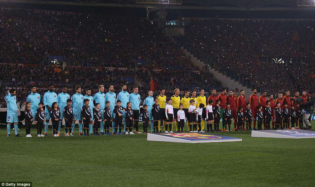 ẢNH: AS Roma ngược dòng không tưởng, loại Barcelona khỏi Champions League - Ảnh 1.