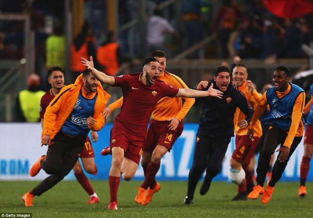 ẢNH: AS Roma ngược dòng không tưởng, loại Barcelona khỏi Champions League - Ảnh 12.