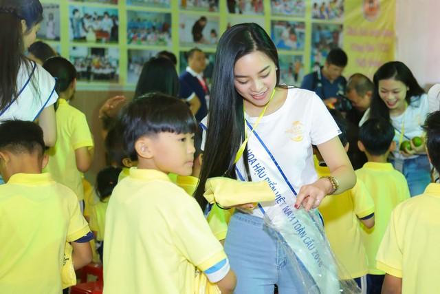 Thí sinh Hoa hậu Biển Việt Nam toàn cầu 2018 lan tỏa tinh thần tương thân tương ái - Ảnh 8.
