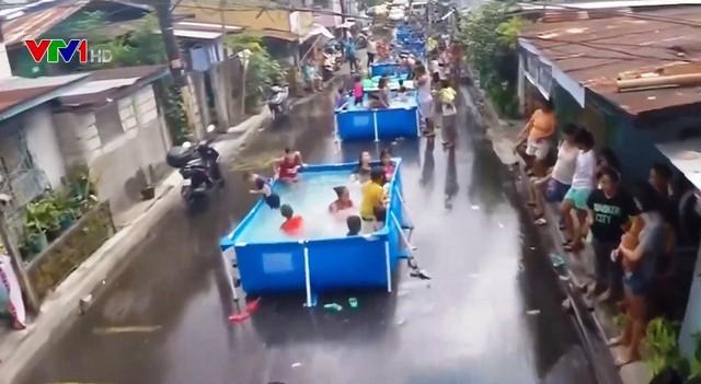 Bữa tiệc nước đường phố ở Philippines - Ảnh 1.