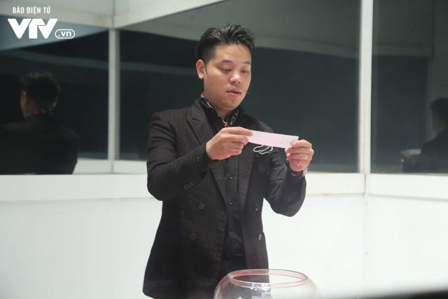 Dương Trần Nghĩa bảnh bao bên hai người đẹp VTV - Ảnh 3.