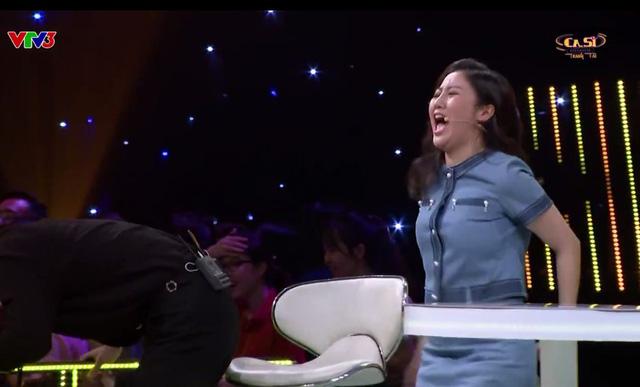 Văn Mai Hương 2 lần té ghế vì giọng ca này ở tập 6 Ca sĩ tranh tài - Ảnh 2.