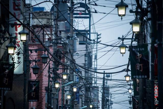 Mạng nhện dây điện ở một số thành phố châu Á - Ảnh 1.