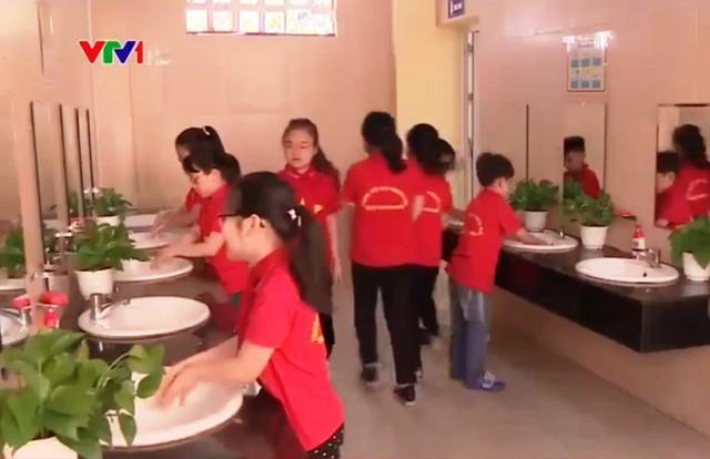 Mô hình nhà vệ sinh hiện đại ở trường học - Ảnh 1.