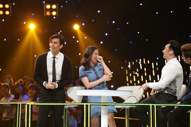 Hát hăng say, Nhan Phúc Vinh khiến Văn Mai Hương ôm bụng cười lăn lộn - Ảnh 2.