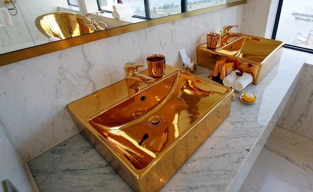Đến vua Midas cũng phải choáng với khách sạn bằng vàng tại Đà Nẵng - Ảnh 3.